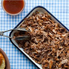 North Carolina-Style Pulled Pork With Vinegar Sauce This pulled pork recipe comes with a killer North Carolina bbq sauce. North Carolina Bbq Sauce, Carolina Pulled Pork, Sauce Recipes, Crockpot Recipes, Cooking Recipes, Meat Recipes, Smoker Recipes, Paleo Recipes, Pork