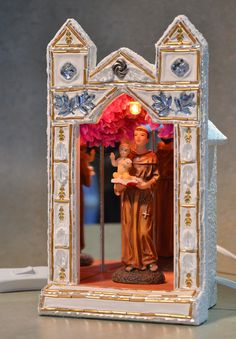 Santo António Greek Icons, Faith Crafts, Prayer Corner, Catholic Crafts, Cardboard Art, Arte Popular, Assemblage Art, Art Club, Religious Art