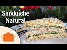 Receita fácil, rápida e deliciosa de Sanduíche Natural de Frango. Ingredientes (para fazer de 4 a 6 lanches): - 1 xícara de peito de frango cozido e desfiado...