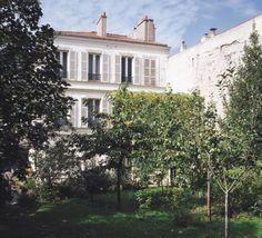 Jardins  Adresse : Hôtel particulier, 56, rue Franklin, Montreuil-sous-Bois, France    Les jardins de cette maison à Montreuil-sous-Bois qu'occupe le Dr Brandon (1893-1961) servent de lieu de réunion aux rassemblements nocturnes clandestins du PCF.