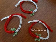 Мартеници - гривна от вълна с панделка и калинка, вълна, дърво, Вълнена мартеничка гривна с панделка и дървена калинка. Мартеничката може да бъде направена за стягане. За количества отстъпки. Baba Marta, Magic Day, 8th Of March, Paracord Bracelets, Craft Activities For Kids, Jewelry Patterns, Friendship Bracelets, Cross Stitch Patterns, Diy And Crafts
