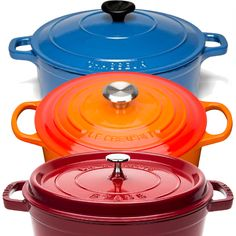 Which French oven is the best choice for your kitchen? Is it Staub, or Le Creuset, or maybe Chasseur? Learn the difference here. Staub Cookware, Le Creuset Cookware, Cookware Set, Staub Recipe, Staub Dutch Oven, Cocotte Recipe, Pork Cooking Temperature, Dutch Oven Recipes, Cooking Equipment
