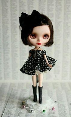 Blythe-Black (Mab Graves)