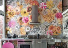 O tempo em que a decoração da cozinha se resumia a pequenos detalhes dos móveis ou iluminação., já se foi. A tendência atual é ousar e co...