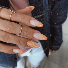 Image uploaded by Jarbas Jacare. Find images and videos about nails, orange and theme on We Heart It - the app to get lost in what you love. Aycrlic Nails, Nail Manicure, Hair And Nails, Glitter Nails, Perfect Nails, Gorgeous Nails, Pretty Nails, Minimalist Nails, Fire Nails