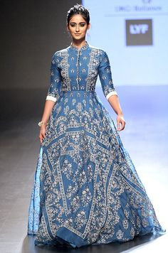 Photos: Bollywood Celebrities at Lakme Fashion Week Lakme Fashion Week, India Fashion, Ethnic Fashion, Trendy Fashion, Fashion Trends, Indian Celebrities, Bollywood Celebrities, Bollywood Fashion, Bollywood Actress