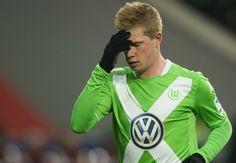 BTC Bundesliga đã quyết định phạt cựu cầu thủ Chelsea, Kevin De Bruyne 15.000 bảng vì có hành xử không đúng mực trong một trận đấu của Wolfsburg.