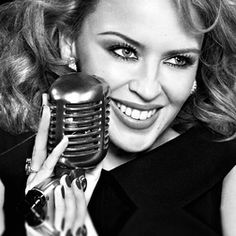 Kylie Minogue Splits With Manager of 25 Years