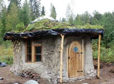 Cob & Cordwood Cottage in Finland by Heidi Vilkman Glamping, Cordwood Homes, Tadelakt, Fantasy House, She Sheds, Natural Building, Cabins And Cottages, Earthship, Hobby Farms