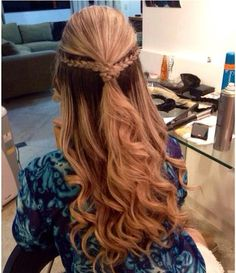 All you need is a little color! Brown in blonde, braid twist in back and loose curl from marinaportela.