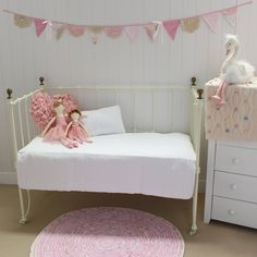 Maple Cotton Cot Quilt in White