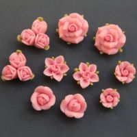 Polymer Clay DIY Flowers for Earring by naturaler Polymer Clay Kunst, Fimo Clay, Polymer Clay Projects, Polymer Clay Charms, Polymer Clay Creations, Polymer Clay Jewelry, Clay Crafts, Clay Earrings, Fleurs Diy