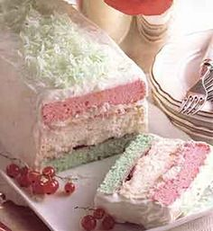 Neapolitan Christmas Cake (pink, white and green), Desserts, Cakes Köstliche Desserts, Holiday Desserts, Holiday Baking, Holiday Treats, Holiday Recipes, Delicious Desserts, Christmas Recipes, Dinner Recipes, Christmas Sweets