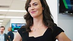 Corporate Exec also fancy mom/wife Billions Showtime, Maggie Siff, Showtime Series, American Hustle, Season 1, One Pic, Growth Factor, Anarchy, Mom