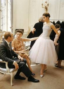 Christian Dior Haute couture autumn/winter 1954. Great article on Mark Shaw and Christian Dior - The Telegraph