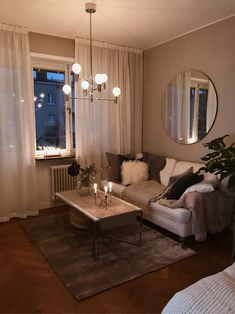 Interior decoration with a contemporary and also minimal look will be significantly preferred with many individuals, you can also include some furnishings to your desire room for example you can see this intriguing photo rather Glam Living Room, Small Living Rooms, Interior Design Living Room, Home And Living, Living Room Designs, Living Room Decor, First Apartment Decorating, My New Room, Apartment Living