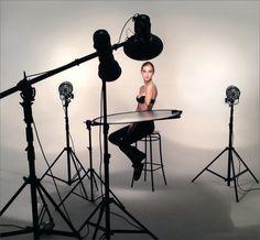 High-key Portrait photography lighting setup reflerctor light
