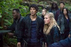 "#The100 1x04 ""Murphy's Law"" -  Bellamy and Clark"
