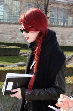 Beautiful red braid. WOW, gimme that length!
