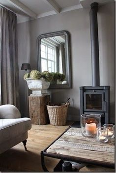Like the wooden 'plinth' to give height to hydrangea trug Grey déco /Martine Haddouche/ schouw Living Room Grey, Home And Living, Living Room Decor, Living Spaces, Living Area, Living Room Inspiration, Interior Inspiration, Home And Deco, Rustic Interiors