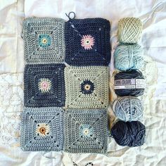 Interpretation of a beautiful blanket using the clever join as you go method Crochet Eyes, Love Crochet, Learn To Crochet, Beautiful Crochet, Knit Crochet, Crochet Squares, Crochet Granny, Blanket Crochet, Granny Squares