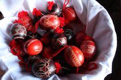 Slovenian Cuisine Prosciutto Ham, Easter Traditions, Egg Decorating, Slovenia, Easter Eggs, Festive, Traditional, Holidays, Fruit