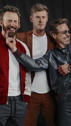 rdj funny & rdj ` rdj wallpapers ` rdj quotes ` rdj funny ` rdj memes ` rdj iron man ` rdj and chris evans ` rdj sherlock holmes Marvel Man, Marvel Avengers, Avengers Humor, Marvel Jokes, Avengers Cast, Man Thing Marvel, Marvel Actors, Marvel Funny, Marvel Heroes