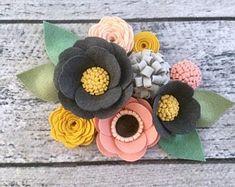 Felt Roses, Felt Flowers, Colorful Flowers, Fabric Flowers, Paper Flowers, Diy Flowers, Beautiful Flowers, Felt Diy, Felt Crafts