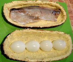 Батон, фаршированный сельдью и яйцами