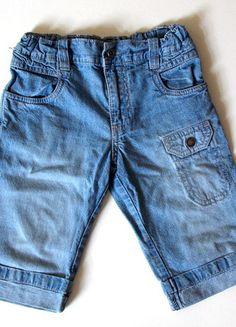 À vendre sur #vintedfrance ! http://www.vinted.fr/mode-enfants/pantalons/23444828-bermuda-en-jean-4-ans