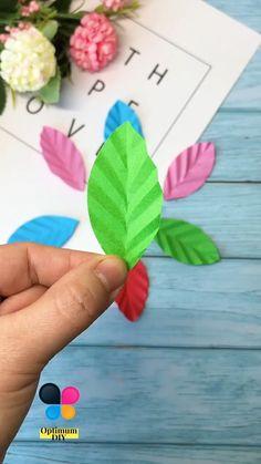 Paper Flower Art, Paper Flowers Craft, Paper Flower Tutorial, Flower Crafts, Flower Diy, Animal Crafts For Kids, Paper Crafts For Kids, Diy Arts And Crafts, Instruções Origami