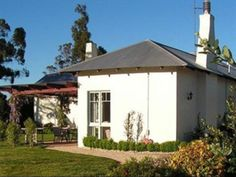 Beauty Point / Beaconsfield Kateland B & B Australia, Pacific Ocean and Australia The 4.5-star Kateland B & B offers comfort and convenience whether you're on business or holiday in Beauty Point / Beaconsfield. Featuring a complete list of amenities, guests will find their stay at the property a comfortable one. Facilities for disabled guests, express check-in/check-out, luggage storage, car park, newspapers are just some of the facilities on offer. Whirlpool bathtub, desk, te...