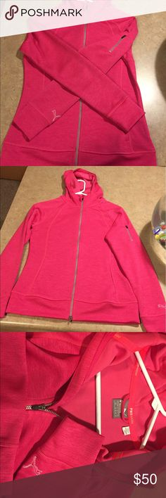 **PWR WARM**!Puma NWOT Full-Zip This adorable top has never been worn. From their PWR Warm line. Perfect for everyday wear, but also a perfect top to keep you warm and comfy during winter workouts! Purchased for $70 at high end golf shop. Feel free to ask any questions! Puma Tops