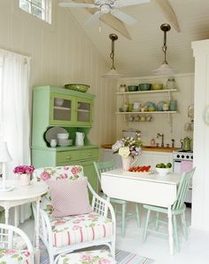 The green hutch is adorable. Perfect cabin furniture.