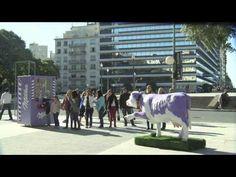 Milka crea una original máquina vending que se activa con una cadena de personas. #milka #marketing #street