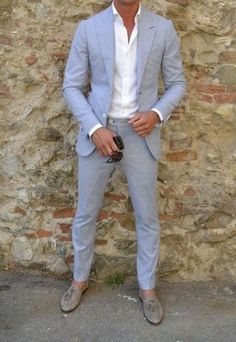 23 Coolest Beach Groom Looks | HappyWedd.com