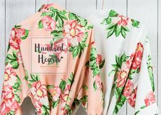 Hundred Hearts Best Bridesmaid robes Bridal Party Robes, Personalized Bridesmaid Gifts, Bridesmaid Robes, Font Styles, Hibiscus, Floral Tops, Trending Outfits, Hearts, Color