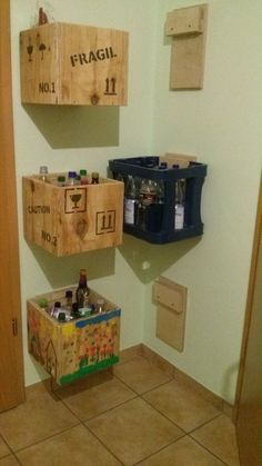 Make drinks crates yourself! Very easy and so everything is tidied up. - Make drinks crates yourself! Very easy and so everything is tidied up. Make drinks crates yourself! Very easy and so everything is tidied up. Bedroom Storage, Diy Storage, Storage Boxes, Storage Organization, Storage Ideas, Storage Design, Recycling Storage, Diy Recycling, Diy Rangement