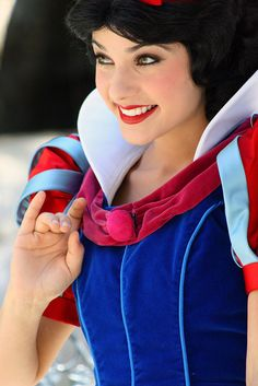 So I've recently become obsessed with Snow White. She's pretty much perfect.