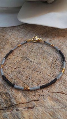 Minimalist bracelet. Beaded bracelet. by AllAboutEveCreations