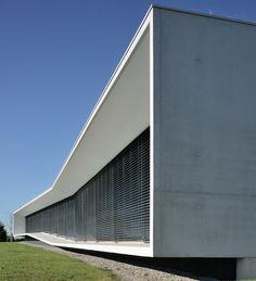 aum minassian architectes aseptic-process-01-aum-minassian-architecte-architecture-contemporaine-tertiaire-bureaux-beton-blanc-noir-lyon-rhone-69