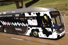 S P E E D C A L: Ônibus movido a fezes bate recorde de velocidade na Inglaterra...