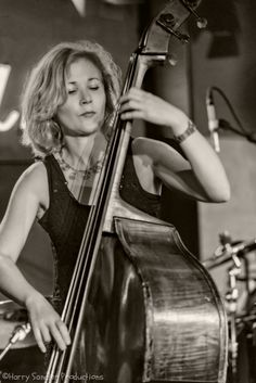 Nicki Parrott, Bassist for The Les Paul Trio