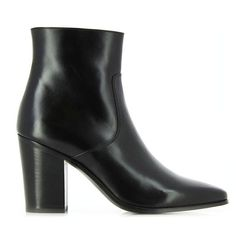 Saint Laurent Heeled Ankle Boots (11 750 ZAR) ❤ liked on Polyvore featuring shoes, boots, ankle booties, black pointed toe booties, black bootie, pointed toe booties, high heel bootie und high heel booties