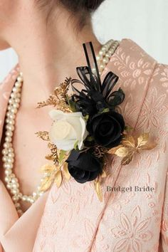 Make a statement with one of our beautiful Pin On Corsages This corsage has black and white with gold foliage and accented with black ribbon Gold Corsage, Wedding Stuff, Wedding Flowers, Budget Bride, Black Ribbon, Prom, Black And White, Beautiful, Black White