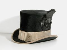 1904 man's top hat, Christy's of London, Lanhydrock © National Trust - Men's style, accessories, mens fashion trends 2020 Victorian Hats, Edwardian Era, Edwardian Fashion, Vintage Fashion, Mode Vintage, Vintage Men, Vintage Dior, Vintage Shoes, Period Outfit