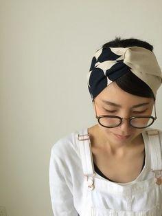 素敵なヘアバンドやターバンなども手がけるアクセサリー作家さんモノのアイテムも素敵ですよね。 みなさんも、そんな素敵なヘアバンドを自分の好きな生地やリボンで作ってみませんか? Handmade Design, Handmade Crafts, Sewing Projects For Kids, Sewing Crafts, Diy Headband, Headbands, Handmade Accessories, Hair Accessories, Sewing Tutorials