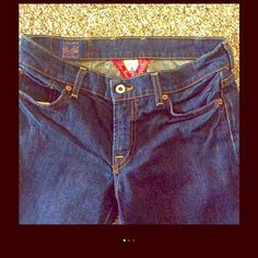 Lucky Brand Denim Like New Size 6(28) Medium Wash Bootcut..Super Cute Pocket Design.....32 inseam.....Smoke Free Home.... Top Rated Seller With Excellent Buyer Feedback Jeans Boot Cut