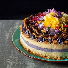 Blueberry and Salted Caramel raw vegan cheesecake