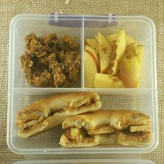 Packed a lunch of peanut butter & apple bagel sandwich with a side of apples and granola.  #vegan #packedlunch #whatveganseat #veganfood #veganism #veganfoodshare #veganrecipe #vegansofig #plantbased  #earthling #veganfoodlovers #hungryvegan #eatclean #healthy #veganfoodadventure #fitness #highcarbvegan #eatvegan #keepitcarbed #carbthefuckup #rawtilfuckthat #tampavegan #whatvegansdo #veganlife #eathealthy #veganlunch #plantstrong